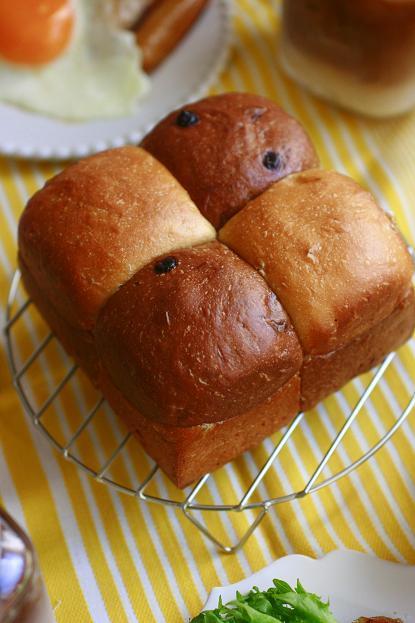 2色のブロックパン