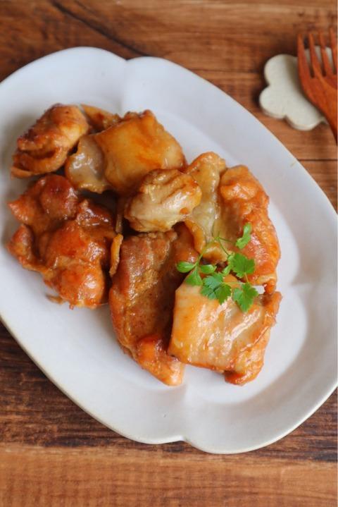 しっとりやわらか!鶏の照り煮と禁断のチーズソース