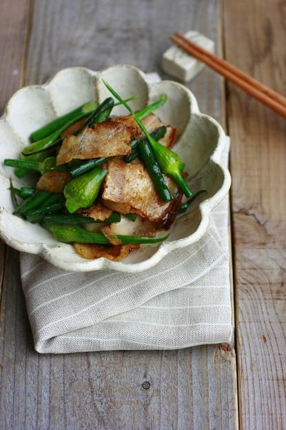 にんにくの芽(蕾)とベーコンのポン酢炒め