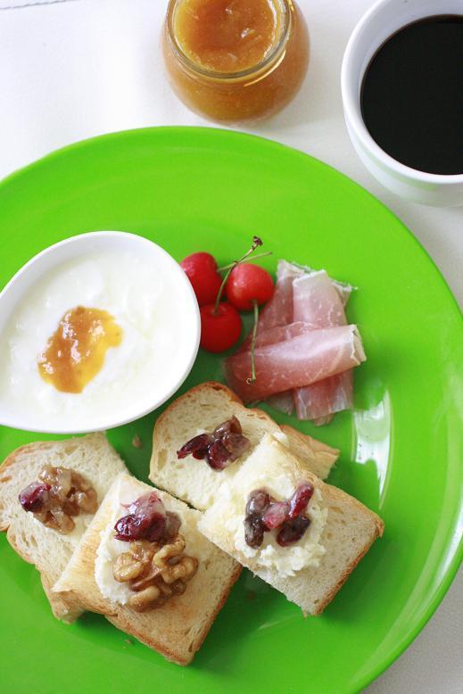 トーストプレートの朝ごはん