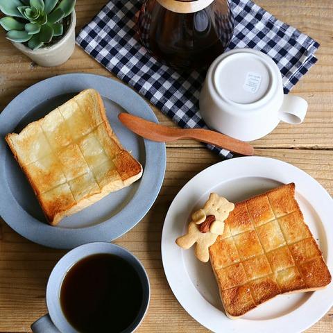 乃が美の高級食パンで朝ごはん