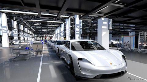 ポルシェ初の市販EV、タイカン …初年は年間2万台の生産を計画