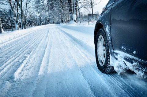 ちょっと道に積雪してるくらいで20キロでトロトロ運転する奴wwwww