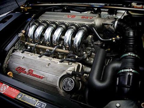 車のエンジンに直列4とかV6とかあるけど同じ排気量でなんか違いってある?