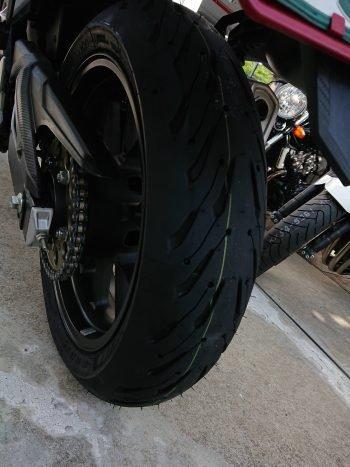 タイヤコウカーン! MICHELIN ROAD5!!【経済】バイク・用品買ったった報告【廻せ】