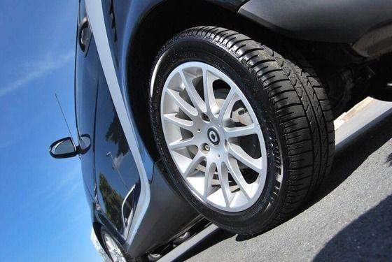 車のタイヤを高級タイヤに交換したらくっそ静かになった上に走行も安定してワロタwww