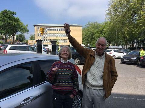 老夫婦が車をどこに駐車したのか忘れてしまい探し回る その期間なんと5日間!