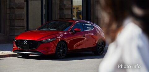 お前らの眼にはどっちの車がカッコ良く見える?wwwwww