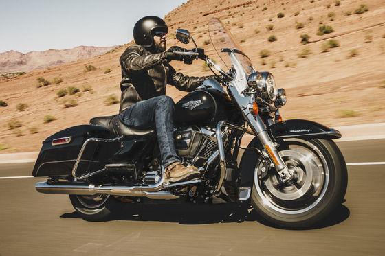 友「大型バイクの免許取った!」俺「おめでとう!何乗るの?」
