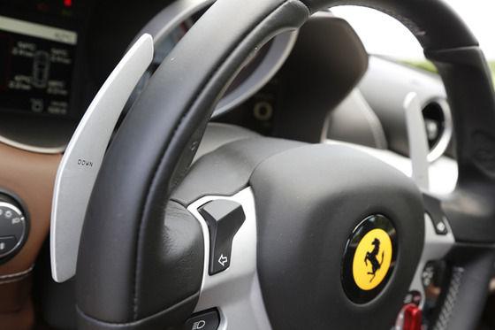 乗用車の97%AT車、フェラーリ→性能によりATしか製造されない。MT限定君「グギュギュ・・・(ブリッ」