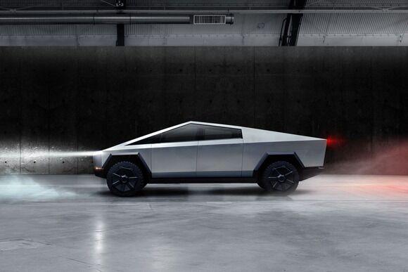テスラ、EVトラック「サイバートラック(Tesla Cybertruck)」を世界初公開