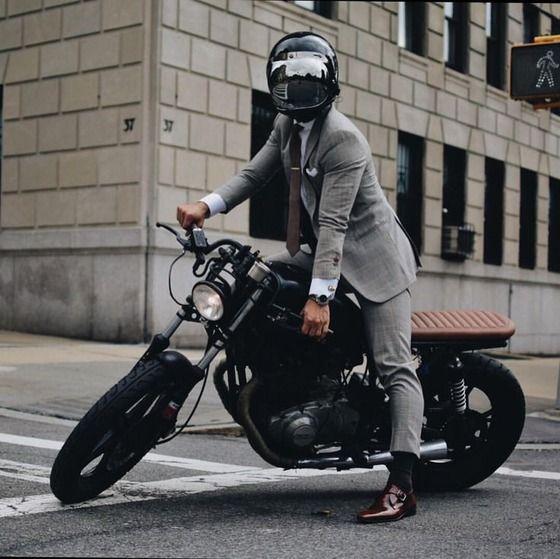 新入社員さん、バイクで取引先に出張してしまう