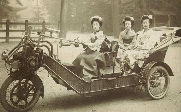 まんさん、バイクに乗り粋がる
