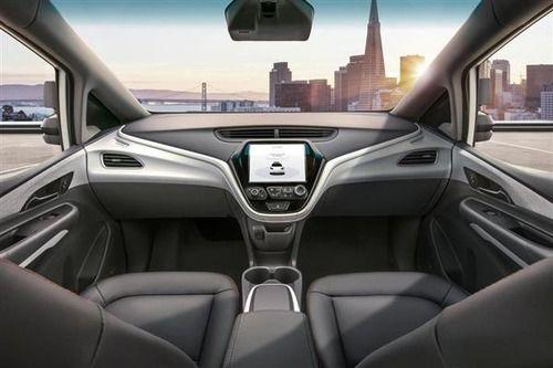 GM、19年に無ハンドル車 「レベル4」の自動運転で量産先陣も