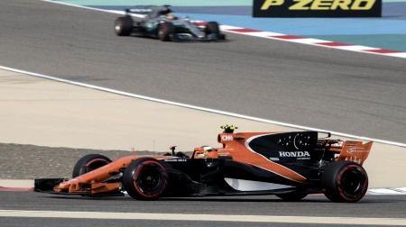 F1バーレーンテスト2日目:マクラーレン・ホンダのバンドーン、81周走って4番手タイム