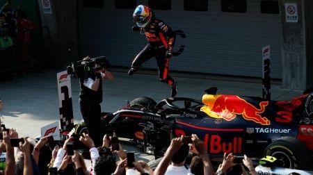 F1中国GP:ドライバー・オブ・ザ・デイはリカルド、PUトラブルで苦しんだ予選から見事優勝