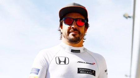 F1:アロンソ「来年トップに返り咲けるととても楽観的に捉えている」
