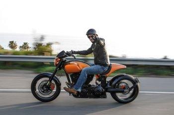 キアヌ・リーヴスが作ったバイク高杉ワロタ IDにバイクの名前が出たらネ申