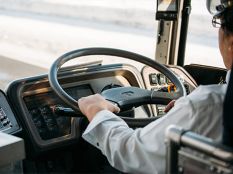 ワイバス運転手、煽り運転をして運転職から降ろされるwwww