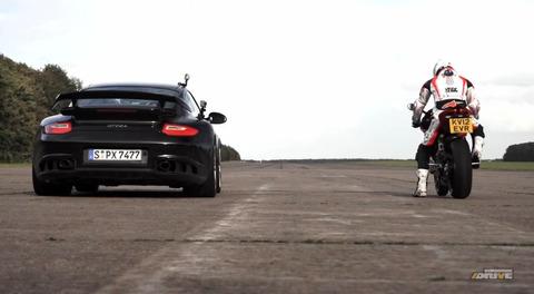 911-GT2-RS-vs-Ducati