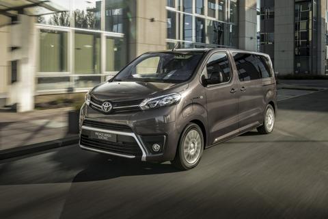 謎の勢力「EVでトヨタは終わる」トヨタ「EVハイエース発売します。30分充電330キロ走ります」