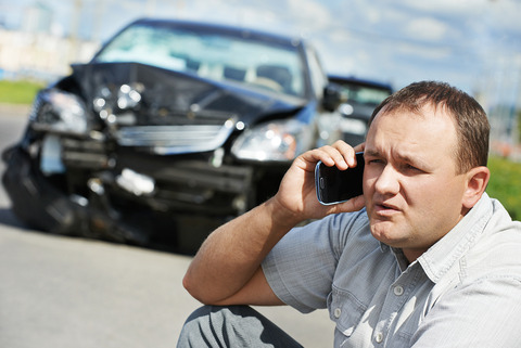 calling-after-car-wreck