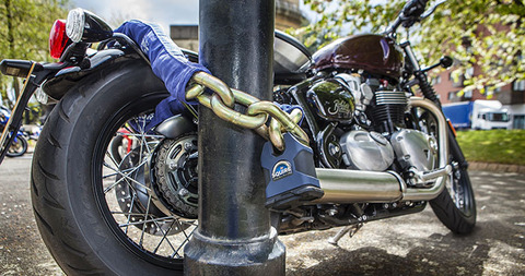Squire-Motolok-lock-and-chain-Sold-Secure-Gold