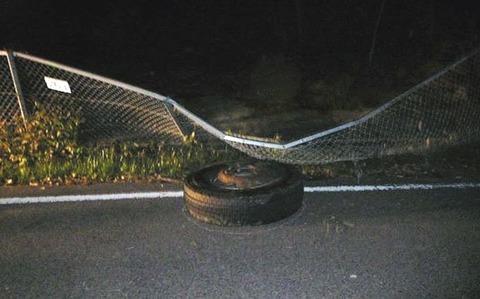高速道で走行中の大型トレーラーのタイヤが外れ、30メートル下の県道脇に落下…淡路市