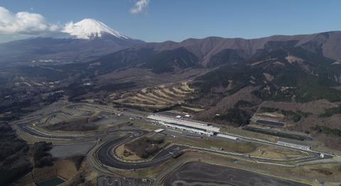 日本オーチス社長が富士スピードウェイでタイヤバリアに突っ込んで死亡