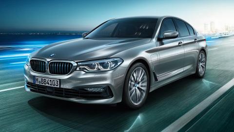 BMW-5series-sedan-ataglance-teaser-04-L2