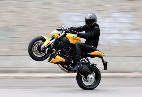 092911-2012-ducati-sf848-wheelie