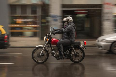Best-Rain-Tires-for-Motorcycles-0-Hero-1087x725