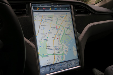 Tesla-Model-S_070