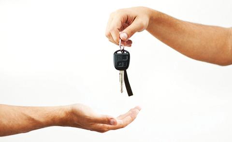 handing-over-car-keys