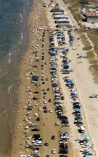 国内唯一「車で走れる砂浜」ピンチ、砂浜の浸食深刻化