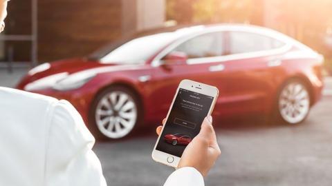 Tesla-Model-3-Unlock-App
