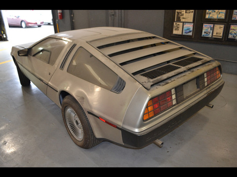 delorean-time-capsule-6-1-1