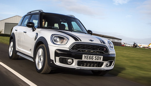 mini-f60-crossover-coopers-all4-light-white-04