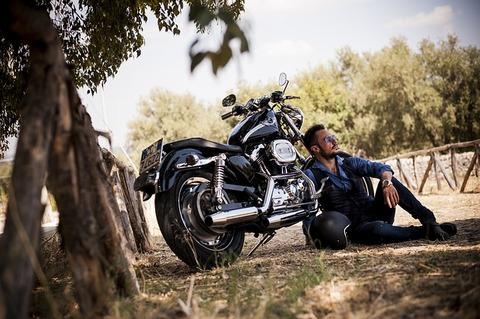 biker-2572582_640