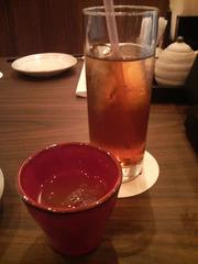 (食前酒)にごり梅酒とウーロン茶