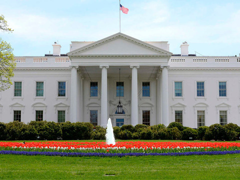 the-white-house-north-lawn-