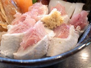 けつログ : とろいわしおまかせ海鮮丼(並盛り)/仙石すし ...