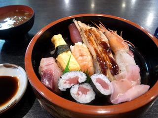 名古屋 寿司 ランチ