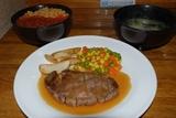ウニイクラ丼+ステーキ