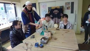 陶芸教室(粘土を分ける)