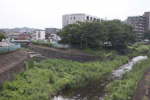 1024px-Yudono_River02[1]