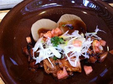 大戸屋炭火焼き鶏の黒酢煮込み定食横井の赤酢入り