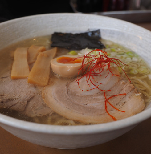 いっぷくラーメン@田迎町(熊本市南区)天草大王塩ラーメン+チャーシュー+餃子8個
