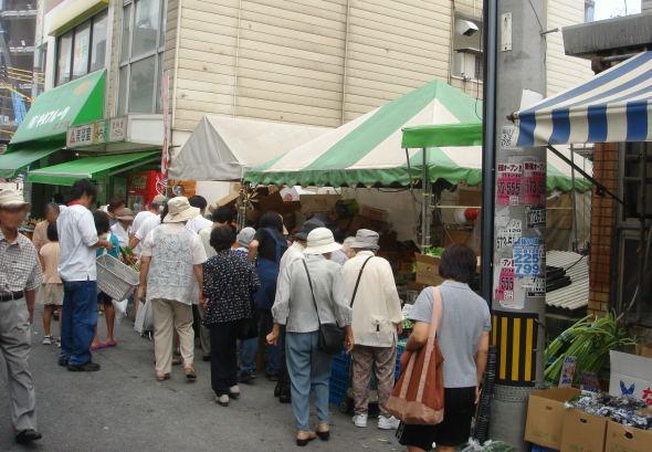 駅前市場11