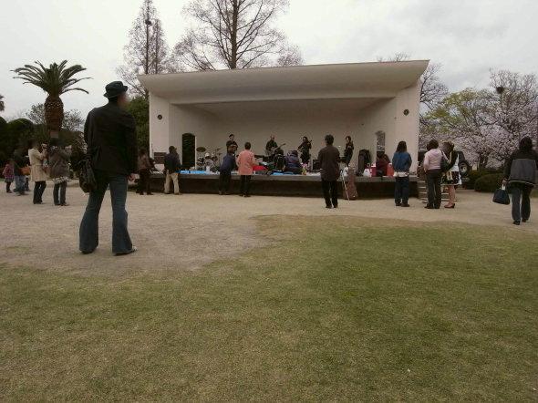 神野公園野外ステージ60